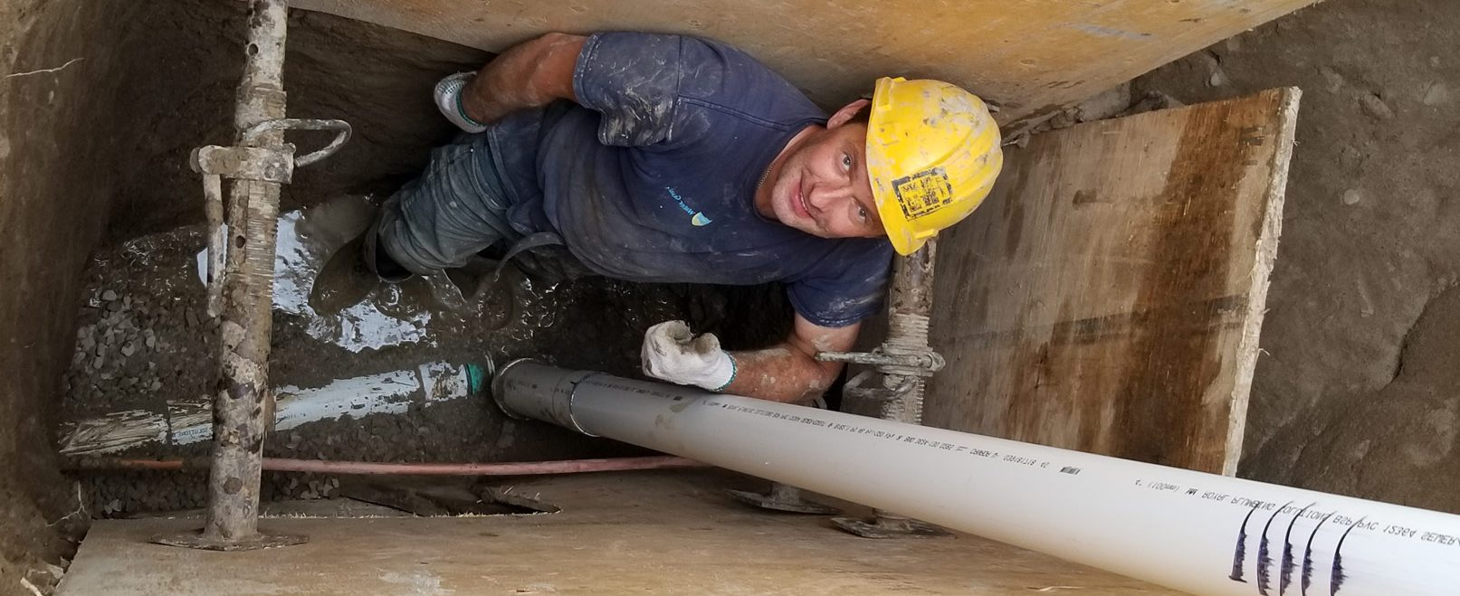 Trenchless lead pipe replacement